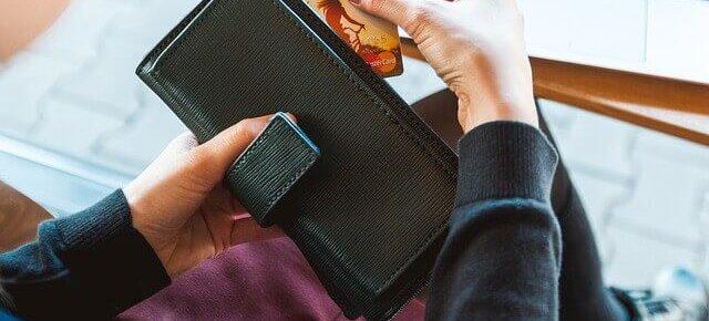 ¿Necesitas una tarjeta de crédito para construir historial crediticio?